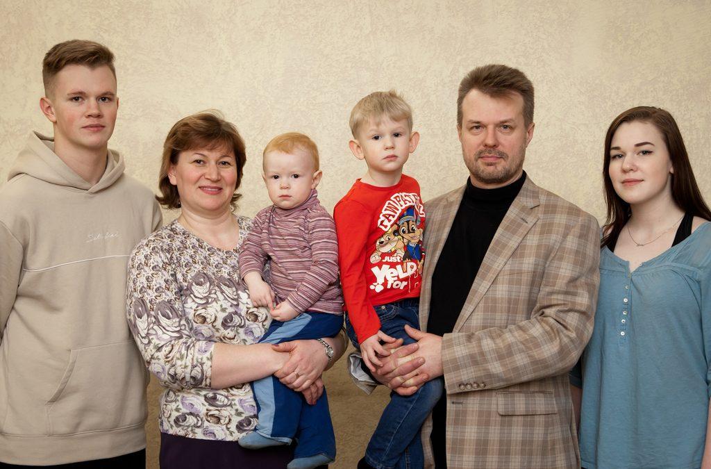 Соболев Виталий и семья